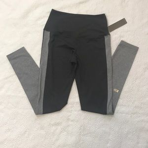 NWT Splits59 Leggings